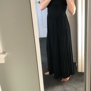 XS Skirt floor length pleated Banana Republic